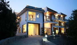 Hotels In Sattal