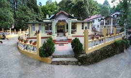 Hotel Emiily Lodge